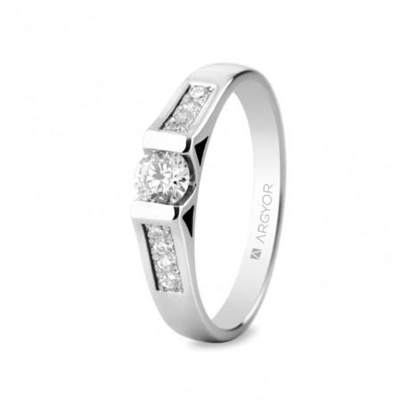 Inel de logodna aur alb de 18k si 0,42ct cu 9 diamante 74B0046