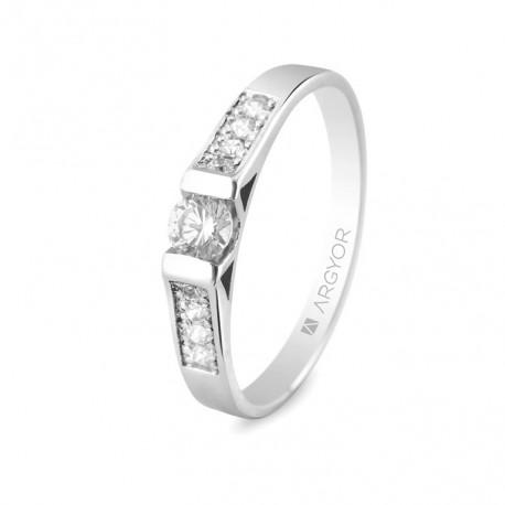 Inel de logodna aur alb de 18k cu 9 diamante 74B0033